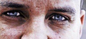 lui occhi di ghiaccio