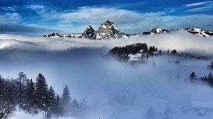 luogo con nebbia
