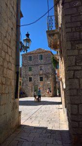 Stari Grad 2