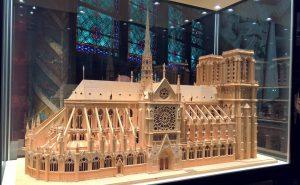 Notre Dame miniatura