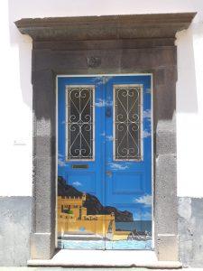 Portas pintadas zona Velha Funchal
