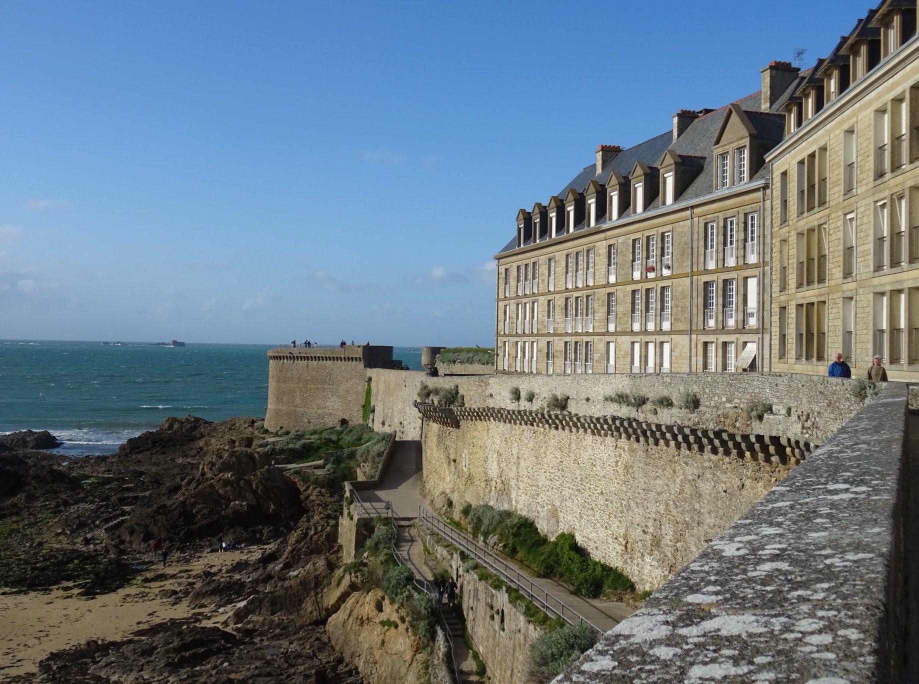 Viaggio in Bretagna: dai bastioni di Saint Malo alle ostriche di ...
