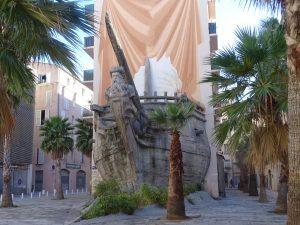 nave-scultura Tolone